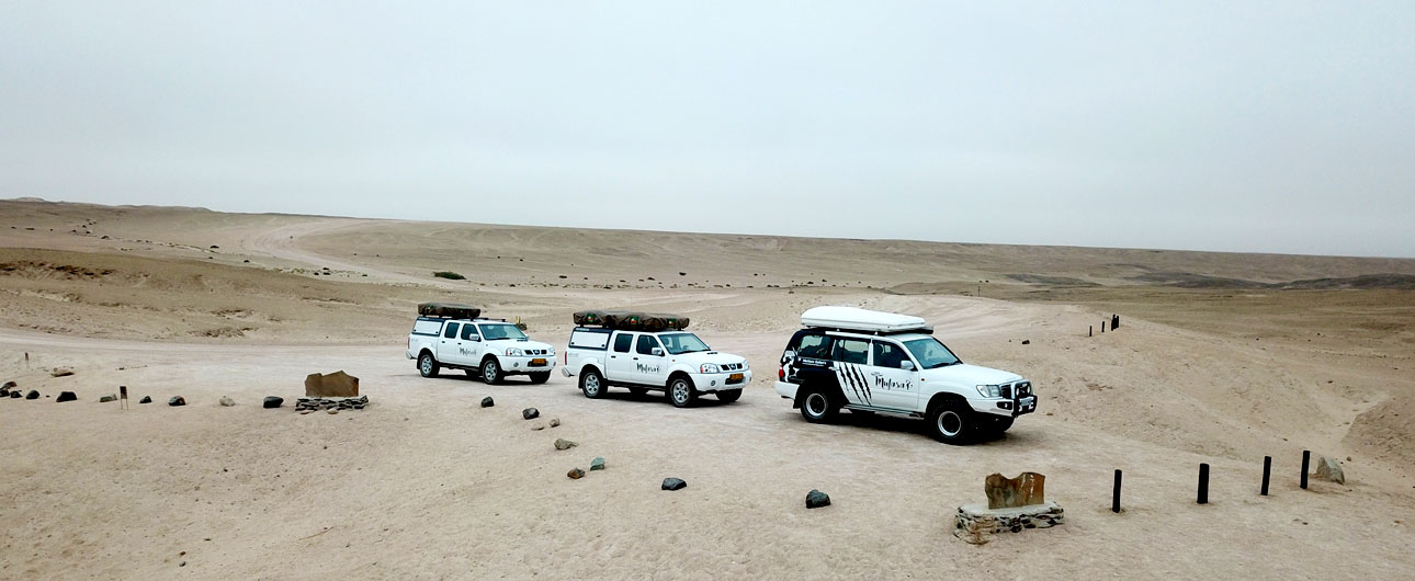 Guided Safari convoy - travel independently with a lead vehicle